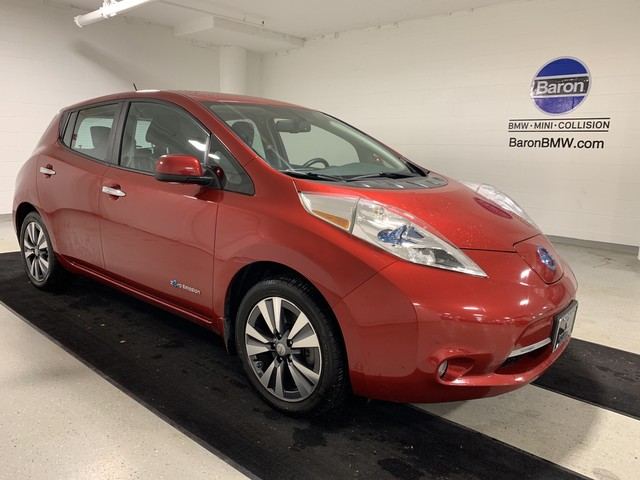 Pre-Owned 2015 Nissan LEAF